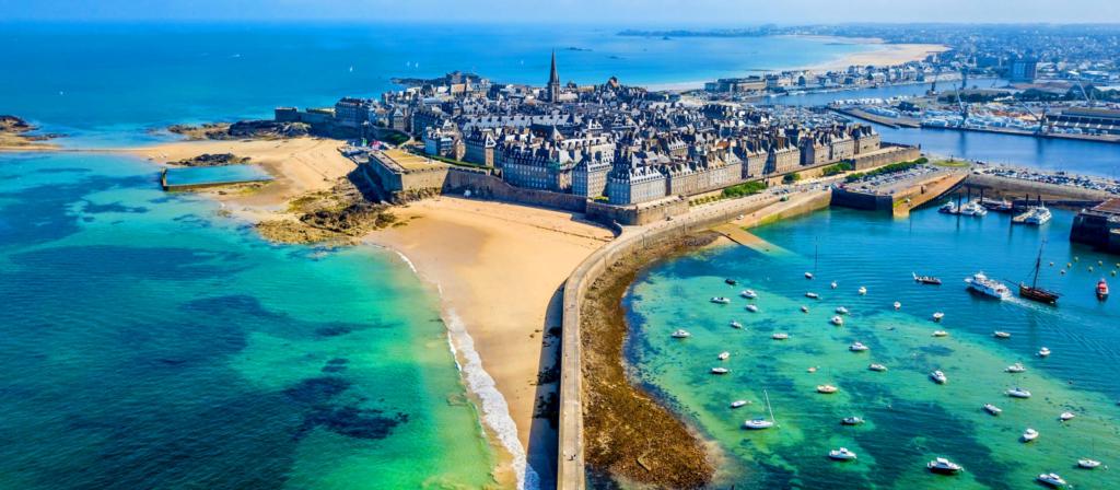 Saint-Malo, direction les côtes Bretonnes en camping-car